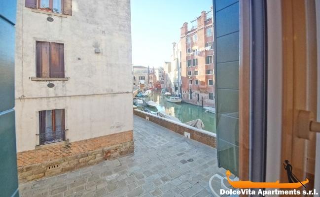 appartement louer venise vue canal louer appartement. Black Bedroom Furniture Sets. Home Design Ideas