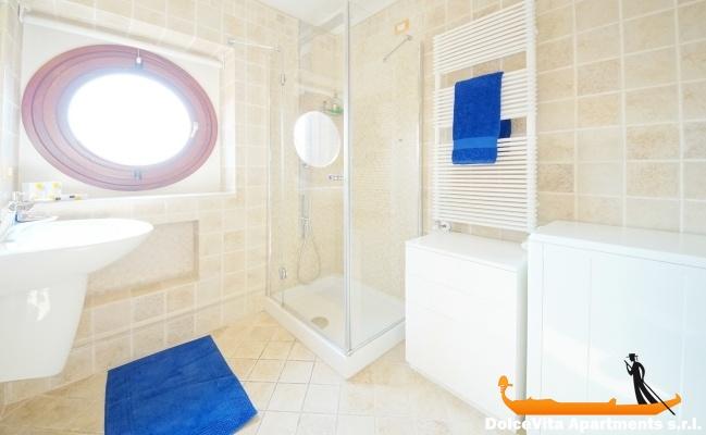 location appartement dans un palais noble venise louer appartement. Black Bedroom Furniture Sets. Home Design Ideas
