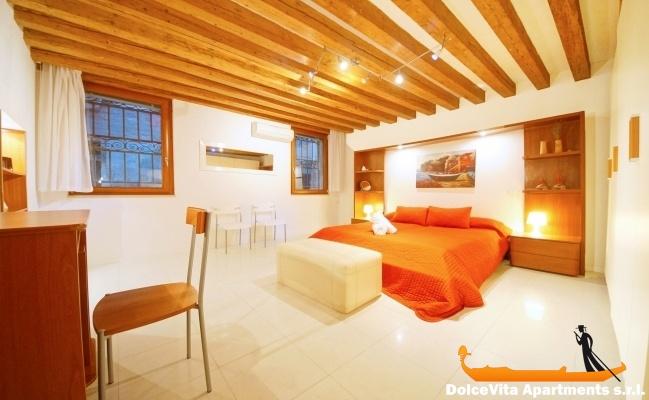 Chambre Moderne Venise : Appartement à venise suite moderne louer
