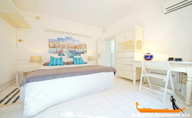 Louer appartement venise biennale avec terrasse louer for Louer une chambre sans fenetre