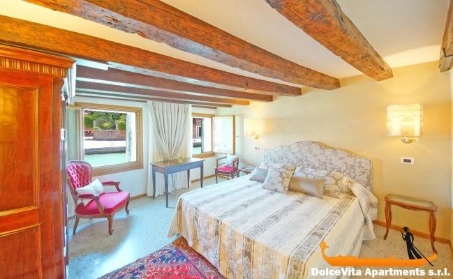 Appartement venise suite vue sur le canal louer for Suite appartement