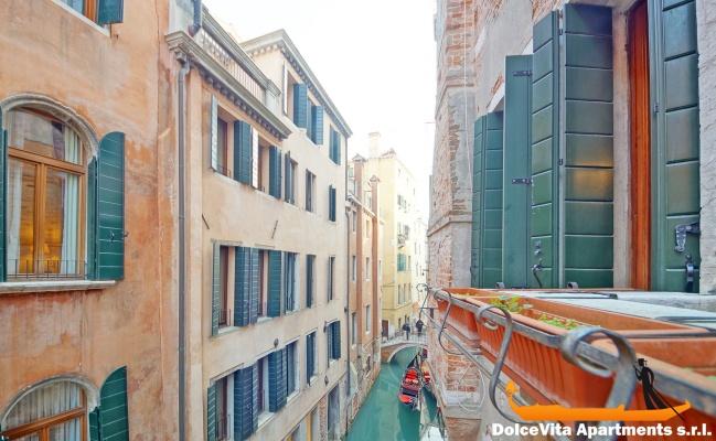Location appartement venise avec 3 chambres san marco for Appartement san marco design venise