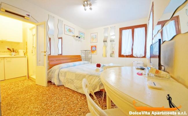 location studio venise pas cher louer appartement. Black Bedroom Furniture Sets. Home Design Ideas
