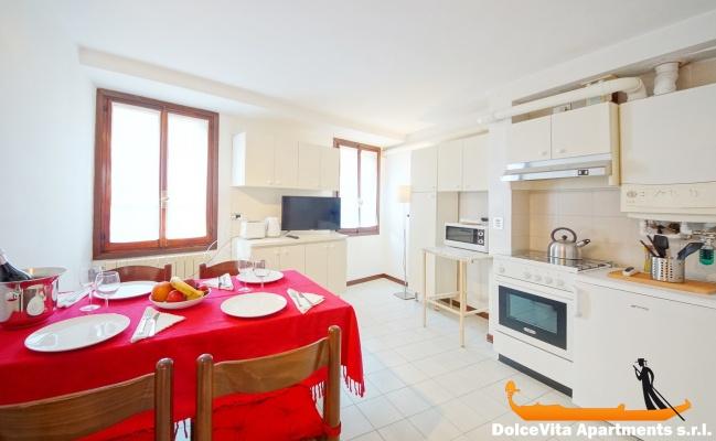 Appartement venise avec terrasse et 1 minute place san for Appartement san marco design venise