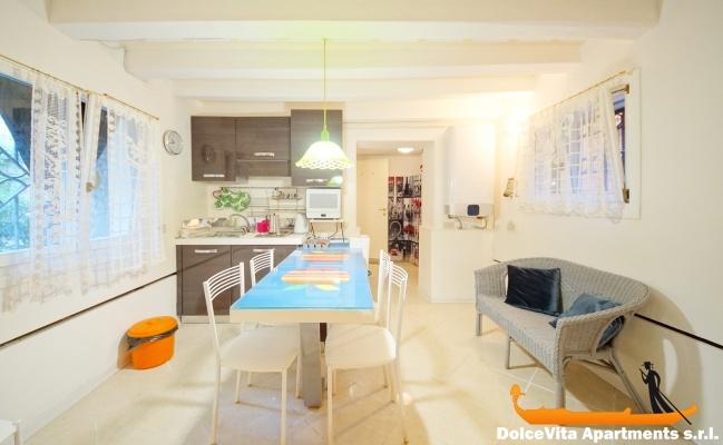 nouveau appartement venise san marco vue sur un jardin louer appartement. Black Bedroom Furniture Sets. Home Design Ideas