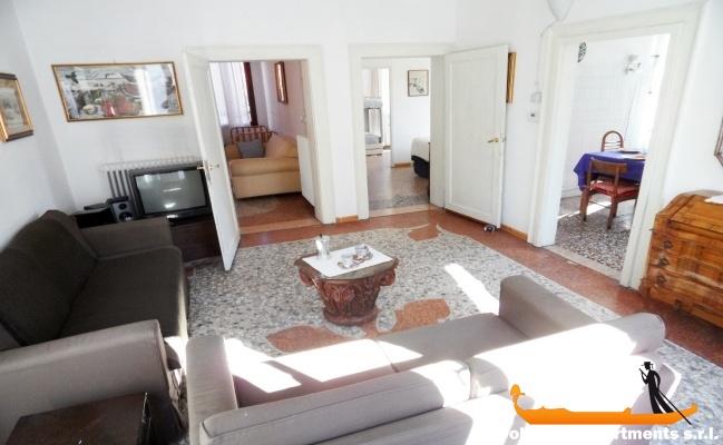 louer appartement venise avec 3 chambres louer appartement. Black Bedroom Furniture Sets. Home Design Ideas
