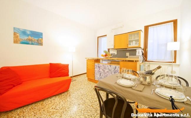 appartement venise moderne pr s pont du rialto louer appartement. Black Bedroom Furniture Sets. Home Design Ideas