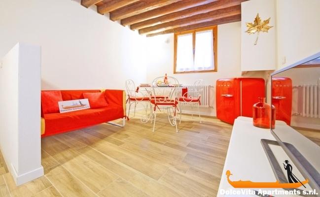 louer appartement venise cannaregio pour 9 personnes louer appartement. Black Bedroom Furniture Sets. Home Design Ideas