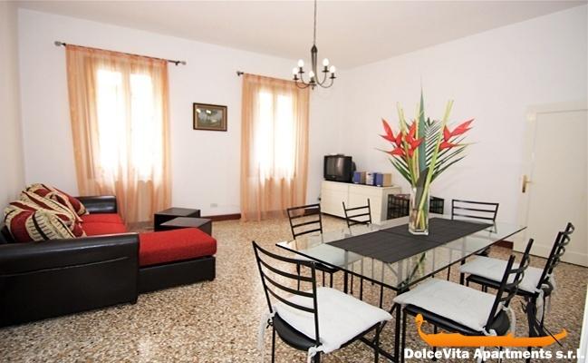 location appartements venise centre pour 16 personnes louer appartement. Black Bedroom Furniture Sets. Home Design Ideas