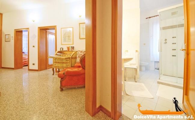 appartement venise pas cher 8 personnes louer appartement. Black Bedroom Furniture Sets. Home Design Ideas